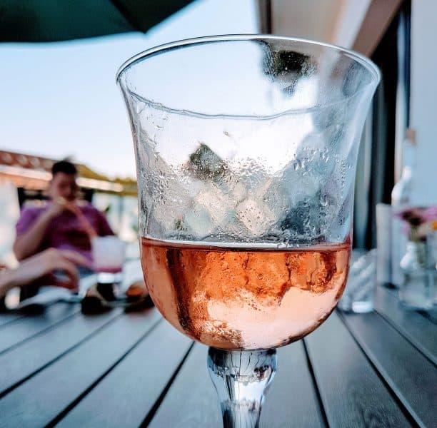 Richtig gekühlter Wein au dem Weinkühlschrank