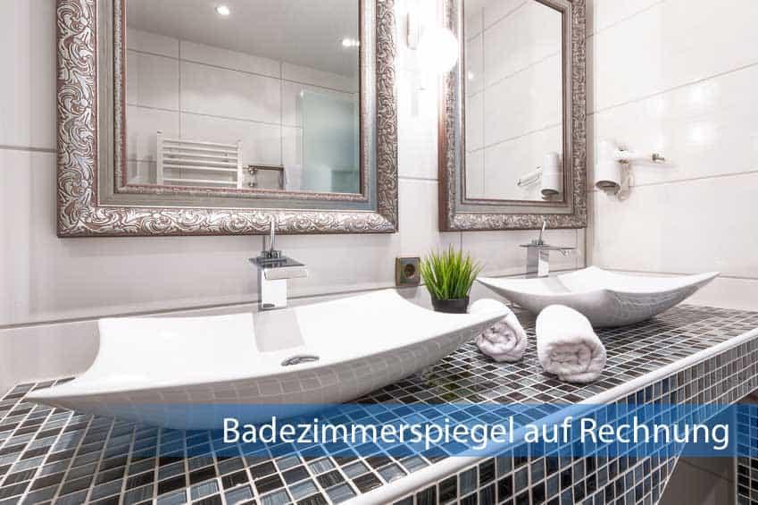 Badezimmerspiegel auf Rechnung mit vertiertem Rahmen im Badezimmer